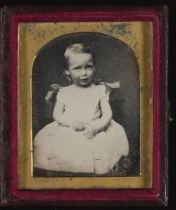 Robert_Louis_Stevenson_daguerreotype_portrait_as_a_child